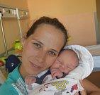 Mathyas Jaroš z Chýnova. Na svět poprvé pohlédl 9. srpna osm minut po sedmé hodině. Po narození vážil 3450 gramů a doma už má tříletou sestřičku Dominiku.