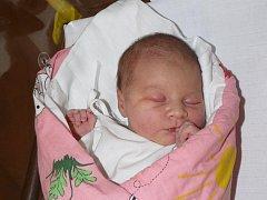 KAROLÍNA MALÁ ZE SOBĚSLAVI.  Narodila se jako první dítě v rodině 21. března ve 12.10 hodin. Karolínka vážila  3370 g a měřila  51 cm.
