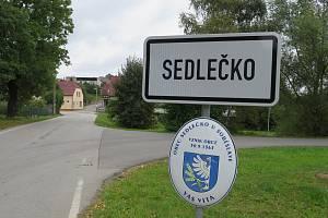 V sobotu 18. září se uskuteční předčasné volby do zastupitelstva malé obce Sedlečko na Táborsku.