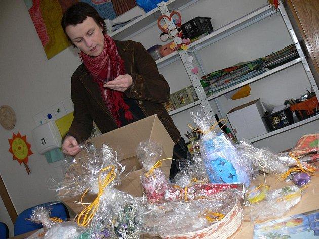Donedávna byla Klára Csirková koordinátorkou  projektu Mámy pro mámy, dnes je výkonnou ředitelkou Nedoklubka.