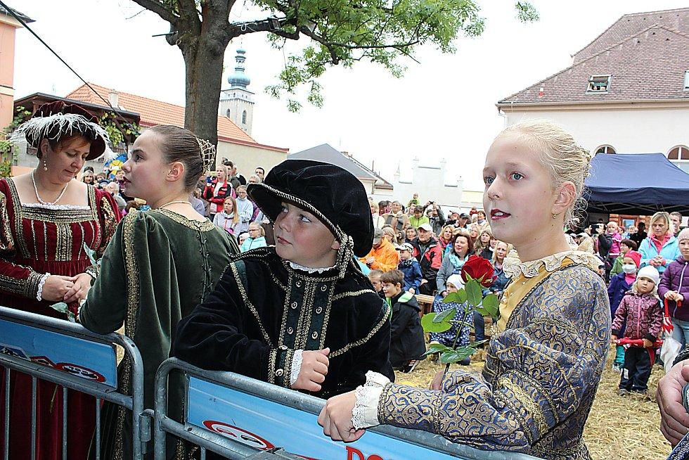 Soběslavští v sobotu přivítali Viléma z Rožmberka a jeho novou manželku.