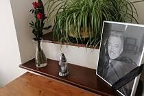 Táborská radnice zřídila pietní místo s kondolenční knihou, která je umístěna v přízemí matriky na Žižkově náměstí, přístupné bude do příští středy.