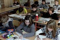 Testy ukázaly, že úroveň českého školství stále klesá.