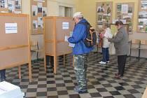Volby v zemědělské škole v Táboře.