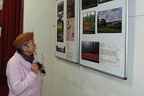 Z vernisáže výstavy fotografií v KAT