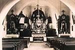 Kostel Navštívení Panny Marie v Nových Domcích na Tachovsku. FOTO: archiv Deníku a znicenekostely.cz
