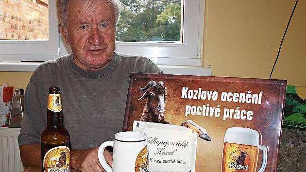 Oceněný klempířský mistr František Přibáň z Plané.