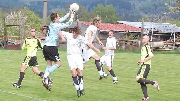 Fotbal – Puma krajský přebor: TJ Rozvadov – B. Stříbro 2:4