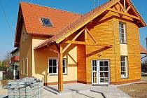 Budova Obecního úřadu v Tisové dostala po důkladné přestavbě zcela novou podobu