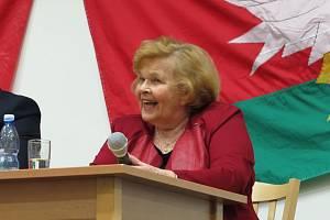 Ivanka Devátá okouzlila publikum v Černošíně.