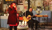 Na druhou adventní neděli vystoupila Bára Zemanová s tematickým repertoárem v Milířích v rámci každoroční Vánoční šňůry po kostelích.