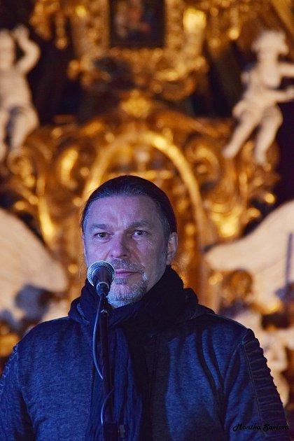 Petr Kolář nadchl publikum vkostele kladrubského kláštera.