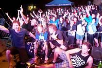Klad-rock-fest, festival hudebních kapel, se konal v sobotu odpoledne na kladrubském hřišti.