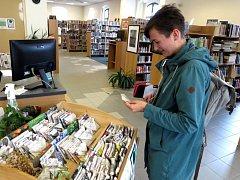 V knihovně ve Stříbře zřídili Semínkovnu.
