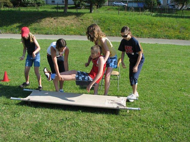 Děti z několika základních škol z Tachovska soutěžily v úterý v soutěži Malý záchranář