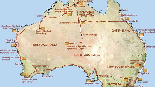 Mapa australského kontinentu s vyznačením cest rodiny Šimánkových po Austrálii (červeně)