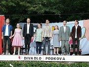 Diváci se pobavili u nahořklé komedie Postýlky.