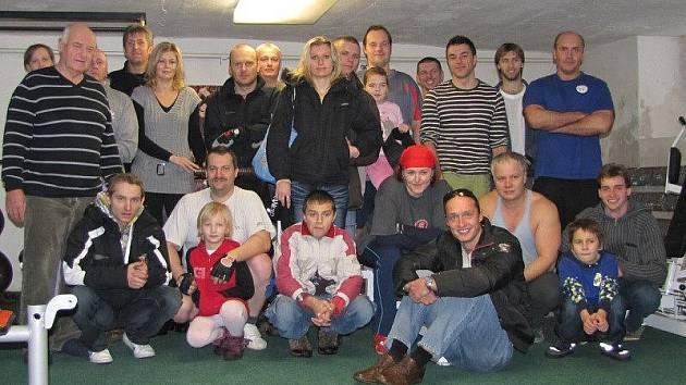Oddíl kulturistiky z Mánesovy ulice ve Stříbře pořádal Vánoční cenu.