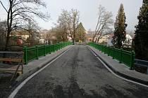 Dokončený most ve Svojšíně.
