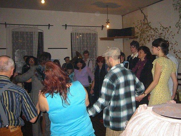 Kulturní sál v Olbramově návštěvníci Tříkrálového bálu zcela zaplnili.