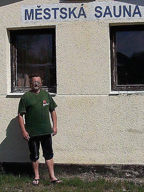 Václav Čečka (na snímku) si myslí, že pokud město může dotovat ostatní sportoviště, může dotovat i saunu. Ta zvládne podle něj i větší počet návštěv, než je současný stav.