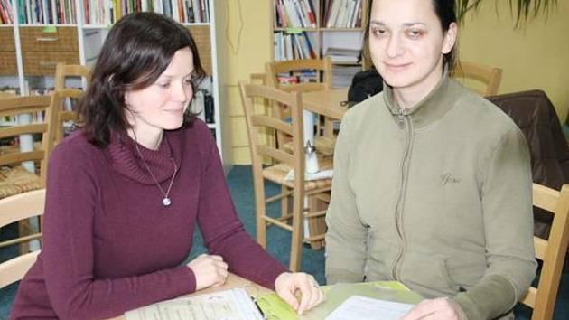 MOBILNÍ HOSPIC se na Tachovsku snaží vybudovat Iva Csanálosi a Lucie Davidová (zleva). V současné době shánějí finanční prostředky a tým odborníků.