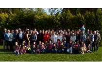 VELIKÁ RODINA. O víkendu se sešlo v Konstantinových Lázních zhruba stovka mužů žen i dětí z veliké rodiny Kozáků.