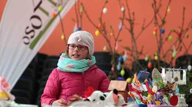 Tradiční velikonoční výstava představila v předsálí kulturního domu v Chodové Plané množství exponátů tematicky spjatých se svátky jara.