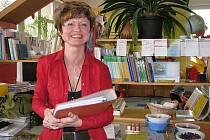 S PROJEKTEM V RUCE. Zdeňka Veselá (na snímku) je autorkou projektu, který pomůže  řadě učitelek k jazykovému vzdělání.