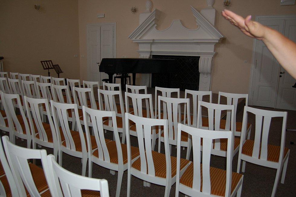 Koncertní sál a předsálí už čekají na nové studenty