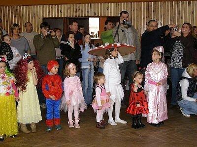 Stříbrský kulturní dům hostil stovky dětí a rodičů na maškarním dovádění s Inkou Rybářovou