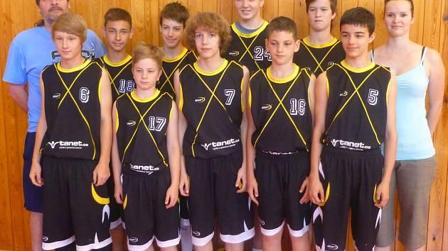 Družstvo žáků Sj. Tachov U15 v náročné kvalifikaci neokusilo hořkost prohry.