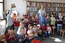 Ve stříbrské knihovně se sešli žáci prvních tříd