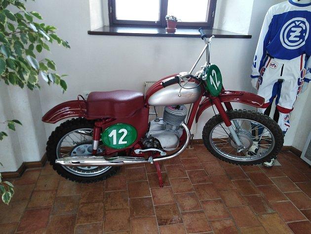 Do muzea přibyla motokrosová Jawa 250Jaromíra Černého.