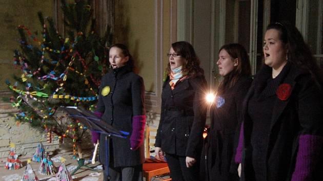 Vánoční zpívání v zámku v Chodové Plané