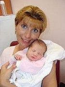 Patnáctiletá Verunka Merglová z Tachova se už těší jak bude pomáhat mamince koupat svou novorozenou sestřičku Elišku (2,87 kg/48 cm) a také by se ráda s Eliškou pochlubila svým kamarádkám. Holčička se narodila rodičům Haně a Davidovi 8. května v 19.34 hod