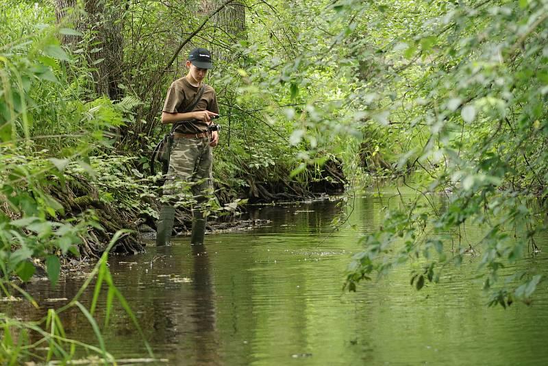Na Úterském potoce s rybářem Matějem Houškou.