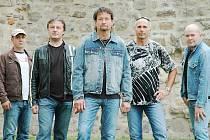 Kapela Extra band revival ve svém stálém složení.
