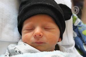 Kristian Buben se narodil 15. července ve 4:41 mamince Nikole a tatínkovi Lubošovi z Úšavy na Tachovsku. Po příchodu na svět v plzeňské fakultní nemocnici vážil prvorozený synek 2210 gramů a měřil 46 centimetrů.