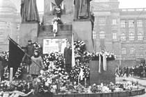 Snímky z pohřbu Jana Palacha.