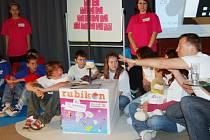 OBLASTNÍ KOLO nové školní preventivní soutěže Rubikon se uskutečnilo v tachovském kině Mže. Představilo se  šest týmů z Tachova, Plané a Stříbra. Žáci prokazovali vědomosti ze znalosti zákonů. Na programu bylo i zdravé riskování.