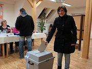 Záchlumí - V Záchlumí mělo možnost volit celkem 304 voličů. V komici vládnou ženy, předsedkyní je Radka Křížová, zapisuje Dana Kozelková, další členky jsou Martina Kozelková, Šárka Trávníčková, Lýdie Sobková a Eliška Svobodová.  Vládne přátelská atmosféra