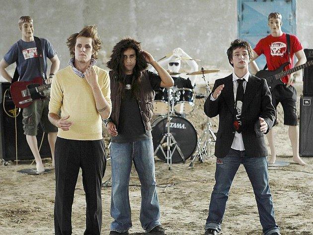 Fotografie a kapelou Bunch Up, která vyhrála republikovou soutěž.