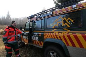 U rozhledny na kótě Havran sloužila v sobotu dobrovolnice Anna Krzemińska z z Mountain Rangers Záchranné služby Royal Rangers.