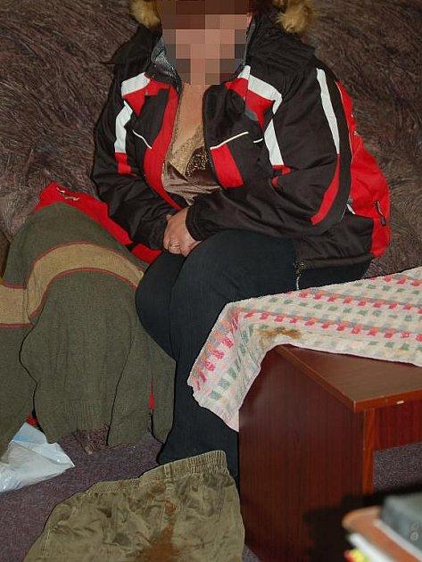 Matka desetiletého R. se domnívá, že oblečením jejího syna vytřeli na internátu záchod
