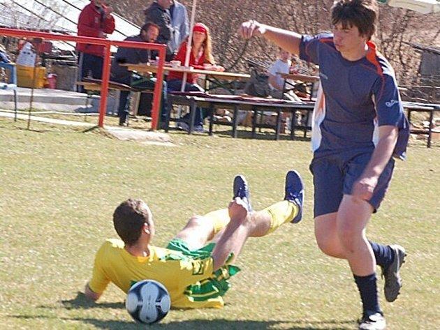 O víkendu byly zahájeny okresní fotbalové soutěže, hrály se zápasy dospělých.