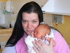Veronice a Jiřímu Noskovým z Tachova se 3. března patnáct minut po šesté hodině ráno narodila v plzeňské Mulačově nemocnici prvorozená dcera Justýna, která při narození vážila 2, 95 kilogramu a měřila 48 centimetrů.