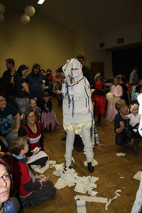 V kladrubském kulturním domě se konal maškarní bál.