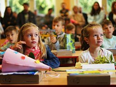 Své lavice obsadily také tři třídy nových prvňáčků na Základní škole Hornická v Tachově.
