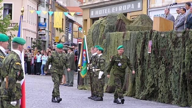 Archivní snímky z posledního vystoupení výcvikového střediska ve Stříbře před jeho ukončením. Akce se konala 11.6.2005 při stříbrských slavnostech. í.